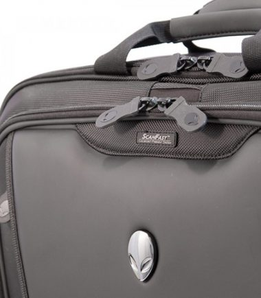 Alienware Orion M17x TSA Approved / Compliant, Checkpoint Friendly Laptop Messenger Bag (Interior)